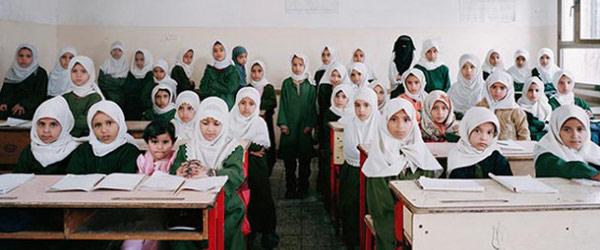 各國同學與教室