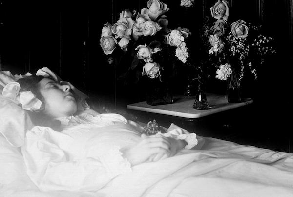 維多利亞時代的唯美屍體照6