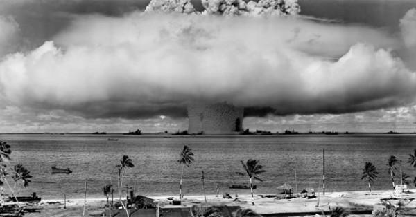 史上第一次的水底核爆1