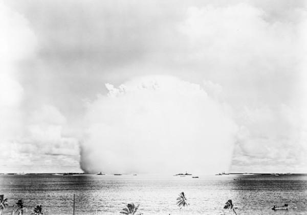 史上第一次的水底核爆4