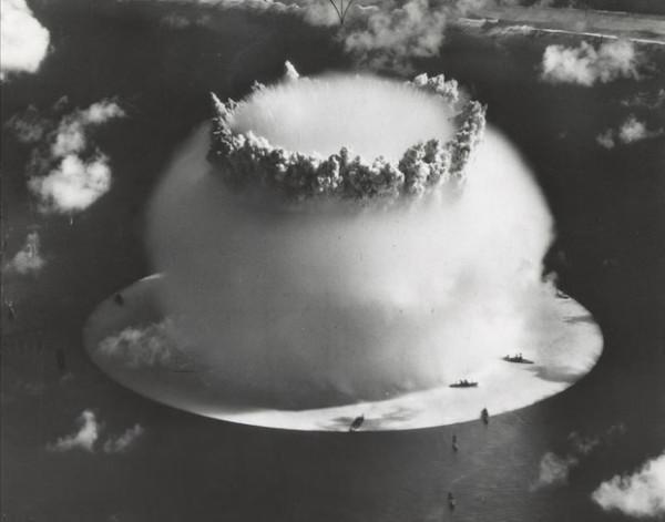 史上第一次的水底核爆6