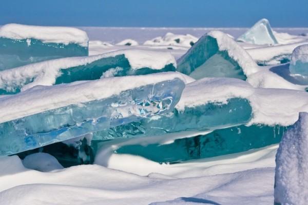 雪中寶石!冰湖的華麗奇觀2