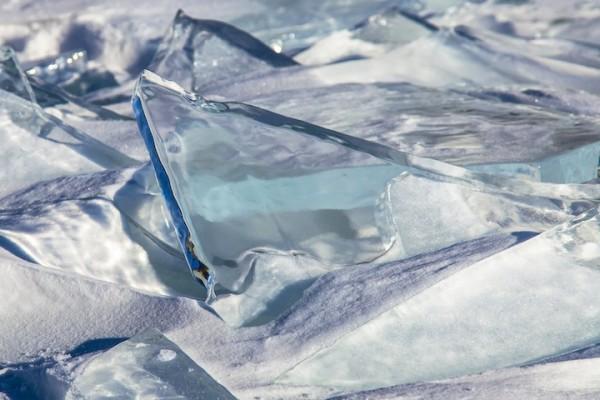 雪中寶石!冰湖的華麗奇觀4
