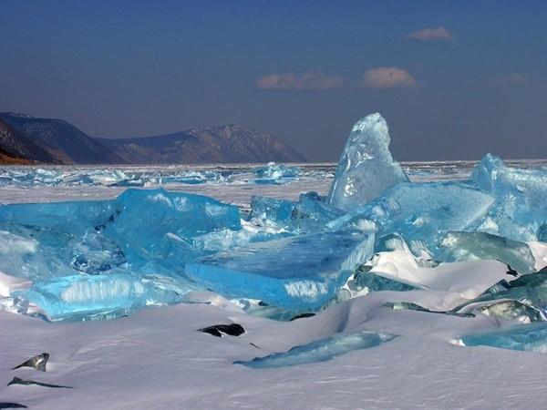 雪中寶石!冰湖的華麗奇觀6