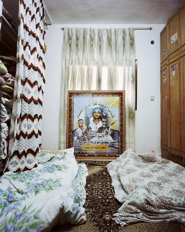 各國小孩與他們睡覺的地方16