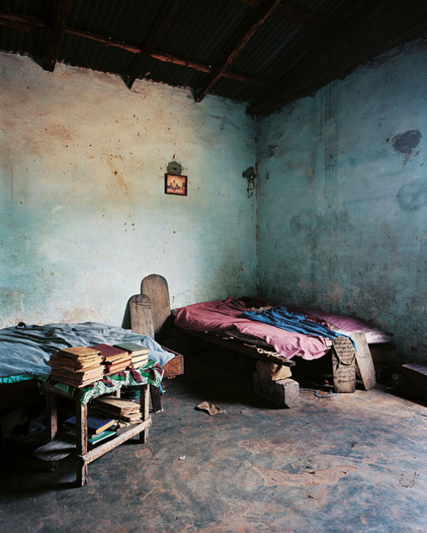 各國小孩與他們睡覺的地方20