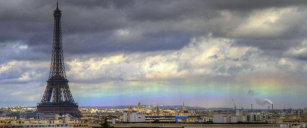 巴黎天空出現不可思議的水平彩虹