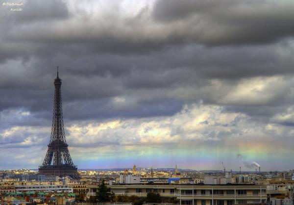 巴黎天空出現不可思議的水平彩虹1