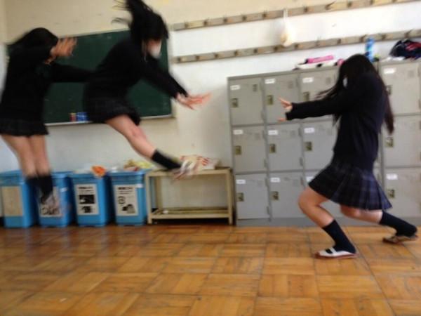 日本女學生帶頭!七龍珠氣功照引領風潮4