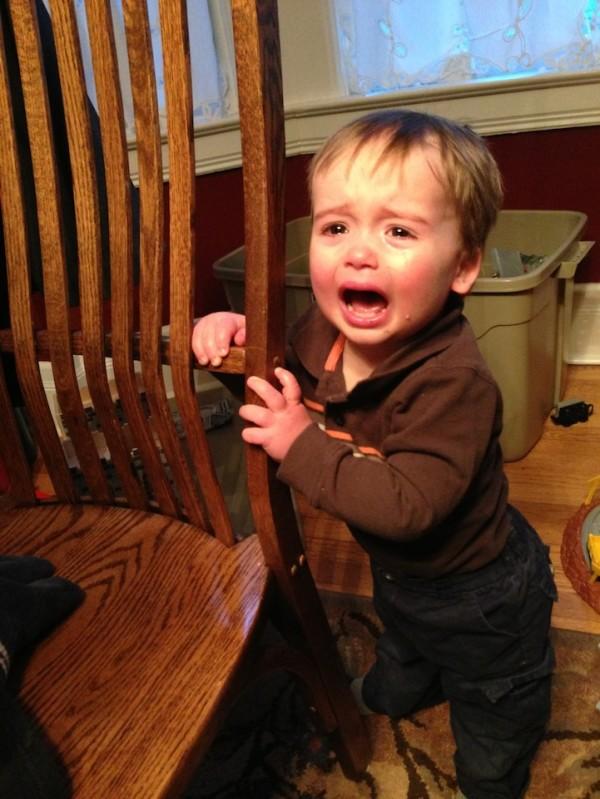 老爸用照片記錄兒子哭哭的荒唐原因1