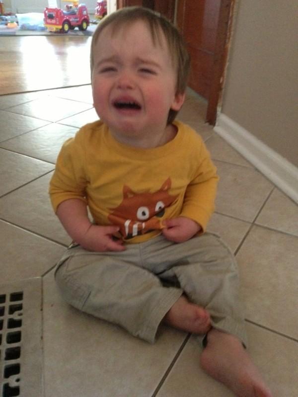 老爸用照片記錄兒子哭哭的荒唐原因10