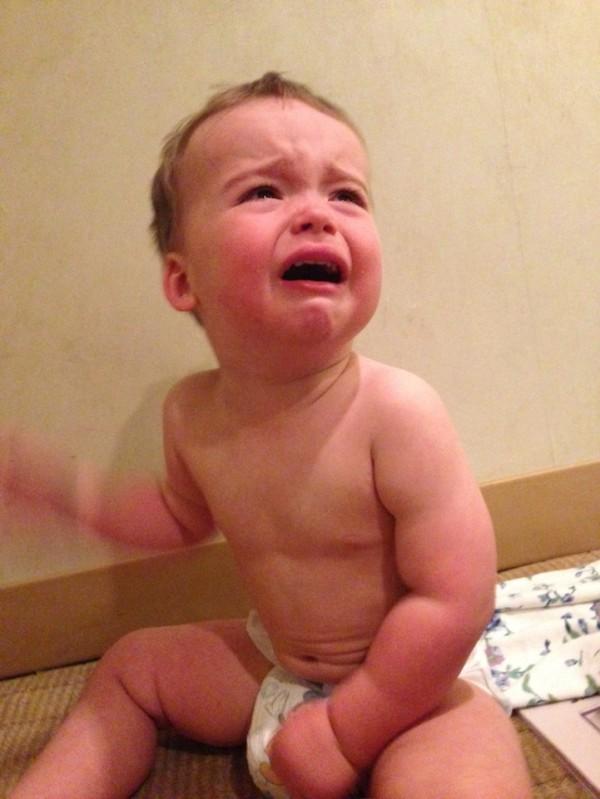老爸用照片記錄兒子哭哭的荒唐原因12