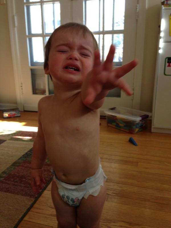 老爸用照片記錄兒子哭哭的荒唐原因13