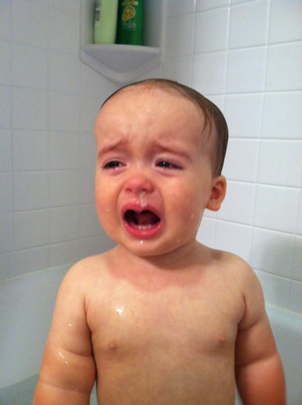 老爸用照片記錄兒子哭哭的荒唐原因2