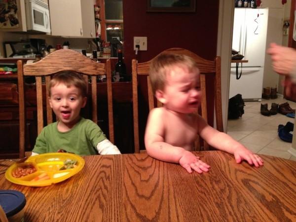 老爸用照片記錄兒子哭哭的荒唐原因3