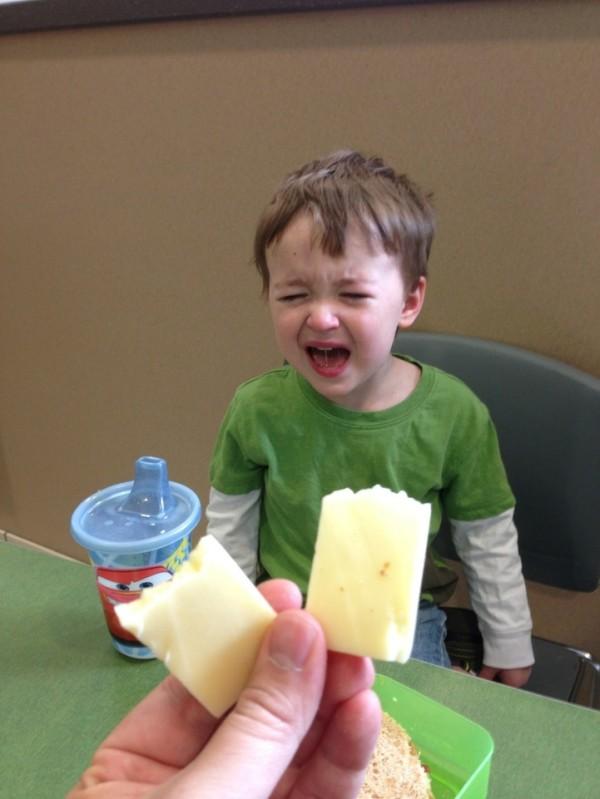 老爸用照片記錄兒子哭哭的荒唐原因8