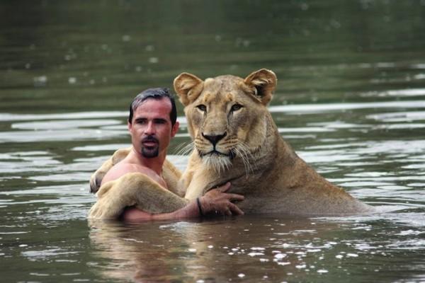 他跟獅子是好麻吉!6