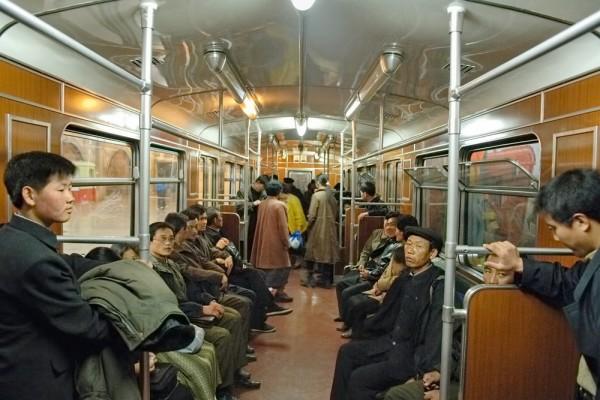 兩個世界,南韓北韓的對照圖3