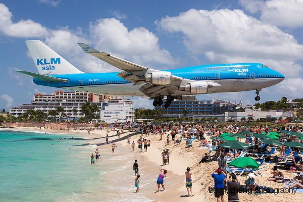 飛機從你頭上飛過的海灘5
