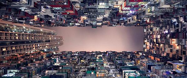 香港摩天大樓間的一線天