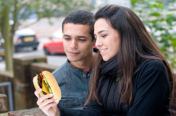 不要再用手機了!吃個三明治吧1
