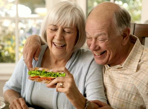 不要再用手機了!吃個三明治吧9