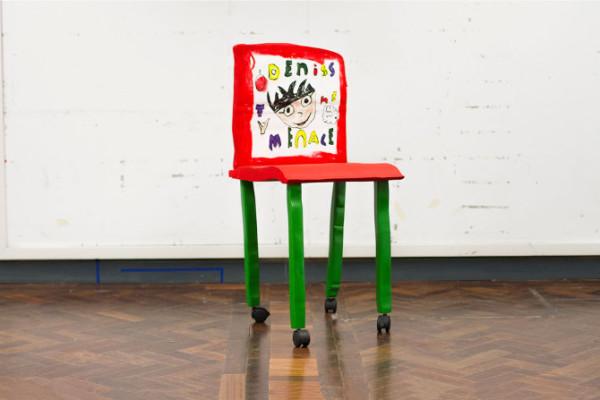 藝術家把小孩畫的椅子蓋出來2