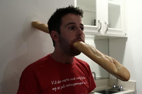 YIF後繼有人!網友爭投法國麵包惡搞圖4
