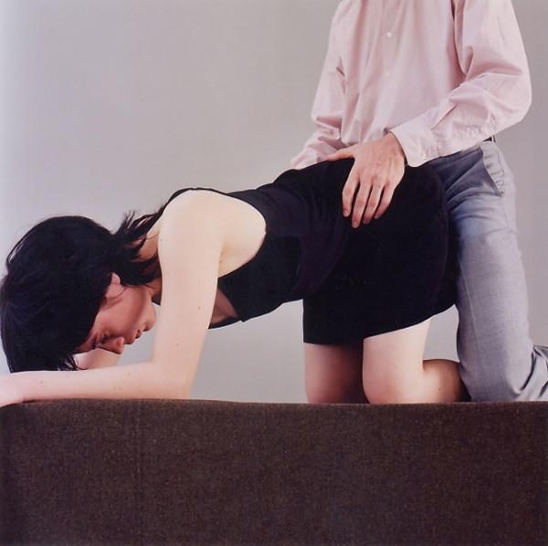 不脫衣服直接上,色情還是藝術?11