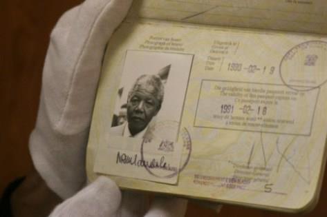 你認識這些護照的主人5