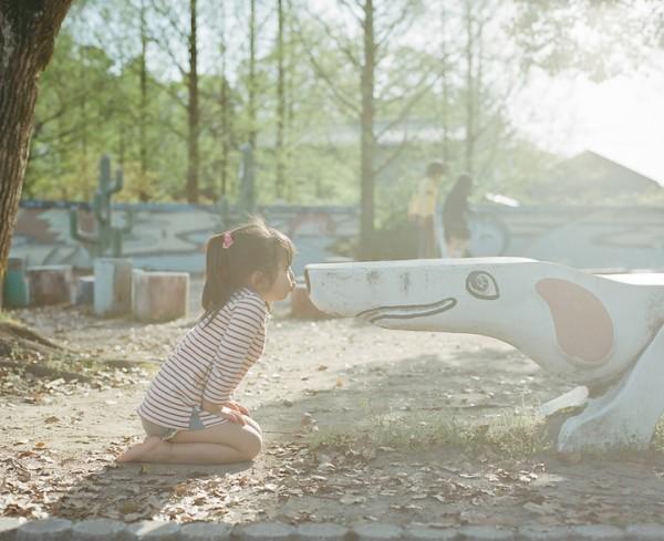 卡哇依!什麼都要親一下的日本小女孩4