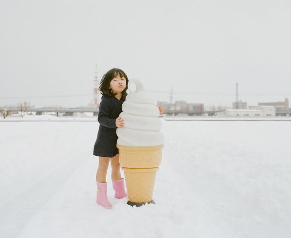 卡哇依!什麼都要親一下的日本小女孩7