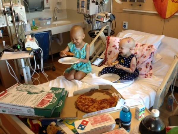 溫馨!癌童媽媽窗上貼送比薩,於是....4