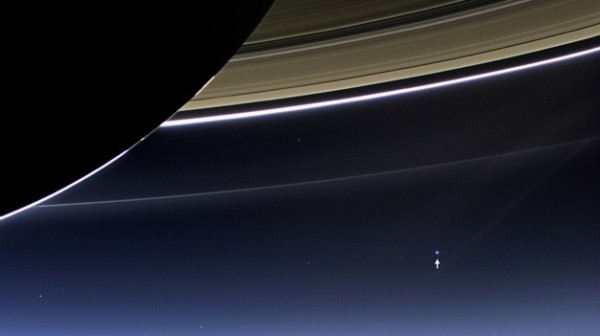 被甩算啥,看看這張土星拍到的地球吧!1