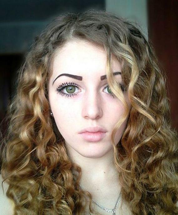 俄國17歲正妹的壯碩身材2