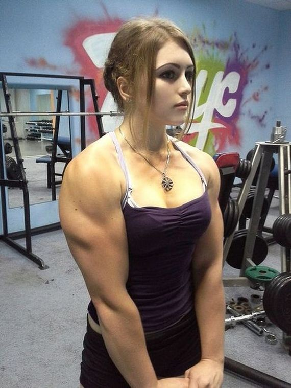 俄國17歲正妹的壯碩身材3