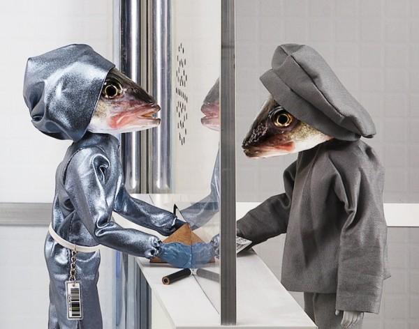 死魚也能活靈活現!怪趣魚頭上班的樣子11