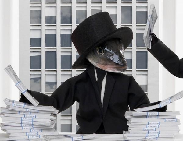 死魚也能活靈活現!怪趣魚頭上班的樣子13