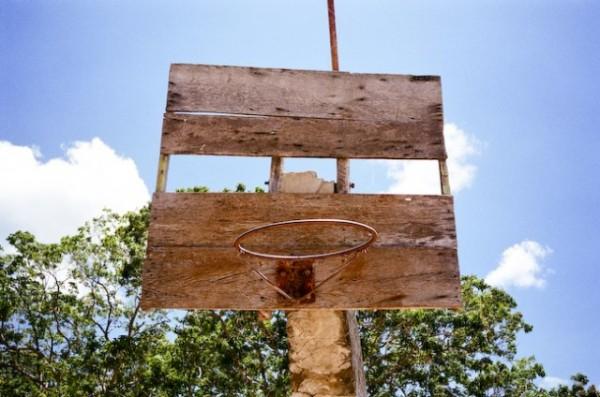 老人般述說著回憶的舊籃框們7