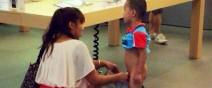 孩子,Apple-Store不是尿尿的地方
