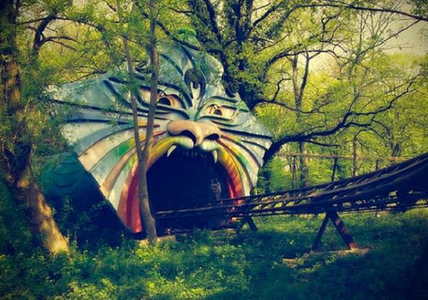 廢棄遊樂園與它們廢棄的回憶7