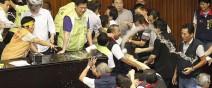 戰鬥力破表的台灣立法院!0