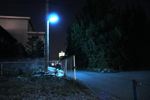 為什麼日本的夜晚是螢光藍?11