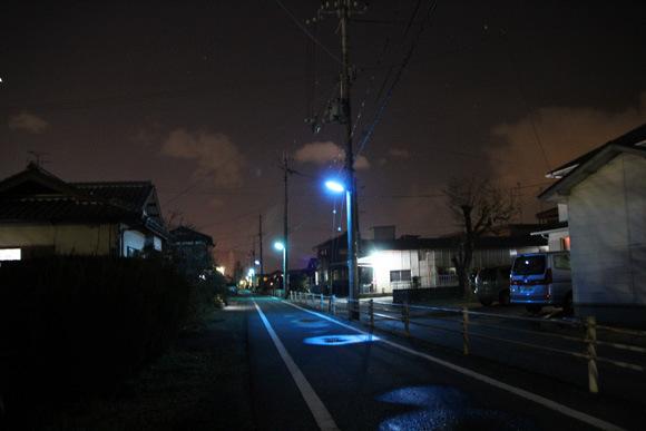 為什麼日本的夜晚是螢光藍?3
