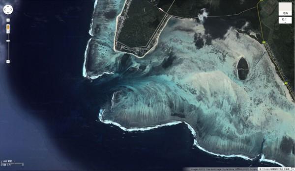 衛星拍到的超逼真巨型海底瀑布5