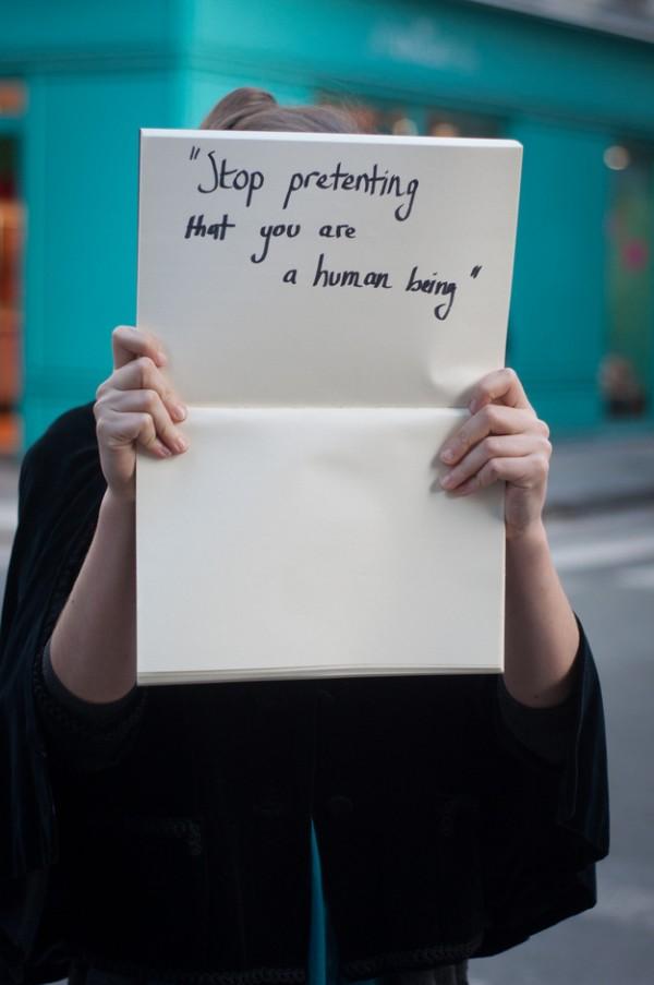 被強暴的人勇敢寫下強暴犯說過的話1