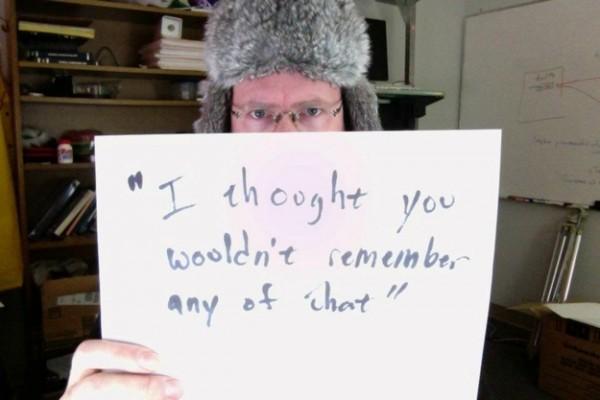 被強暴的男生寫下強暴犯說過的骯髒話10