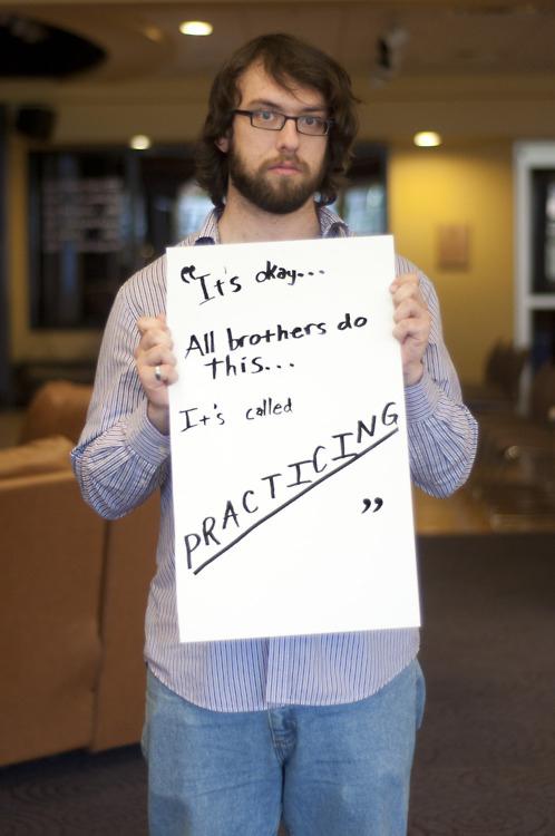 被強暴的男生寫下強暴犯說過的骯髒話5