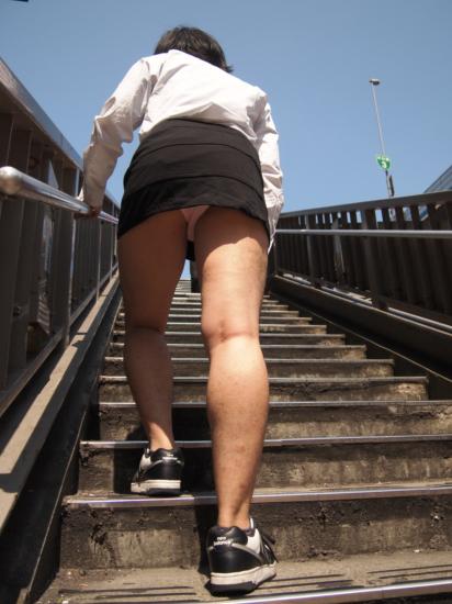 了解女生最簡單的方法是...穿上女性內褲?6