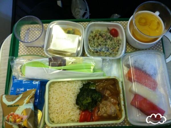 各國飛機餐點PK!1